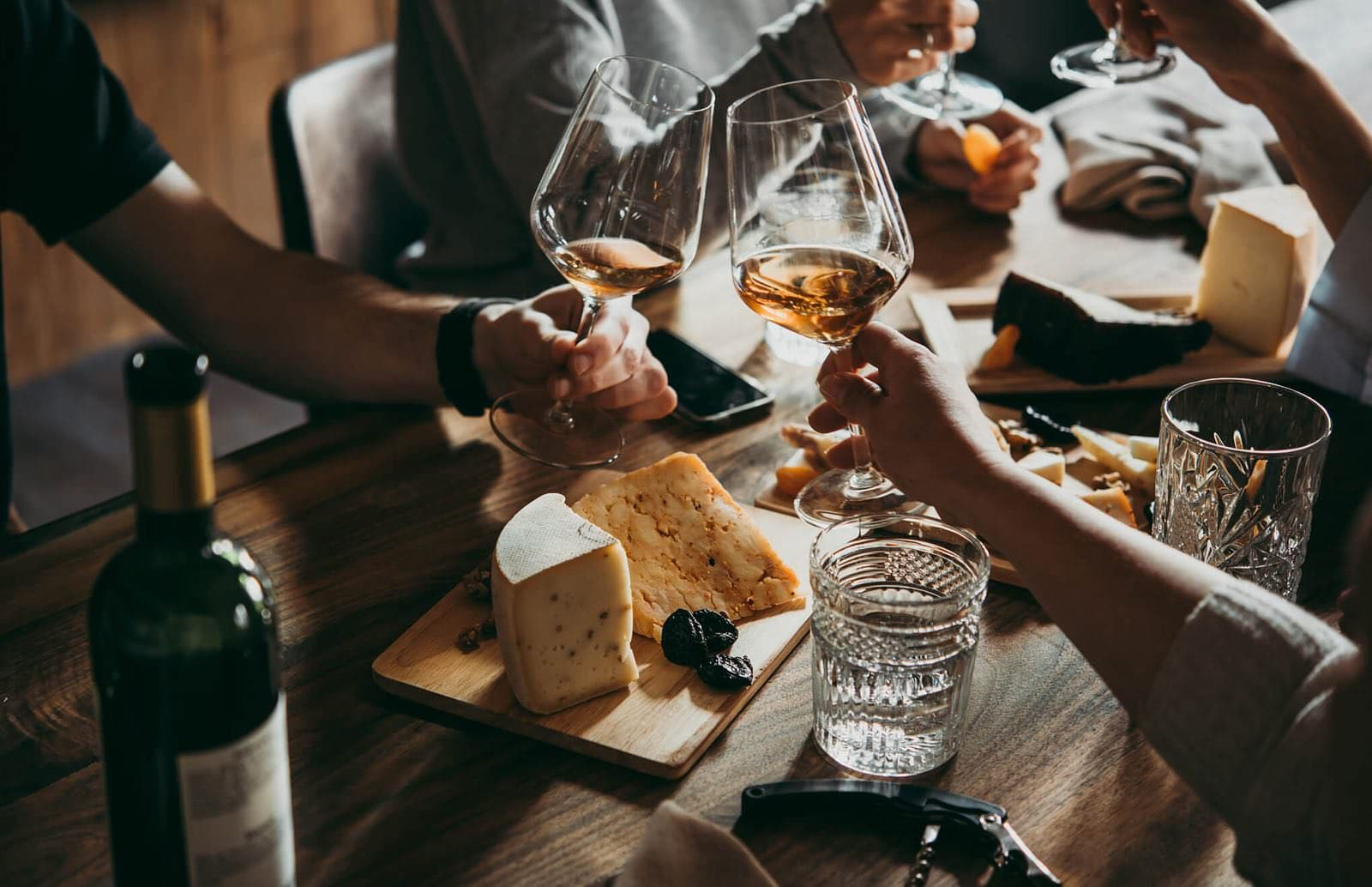 French etiquette: pairing Wine and Cheese