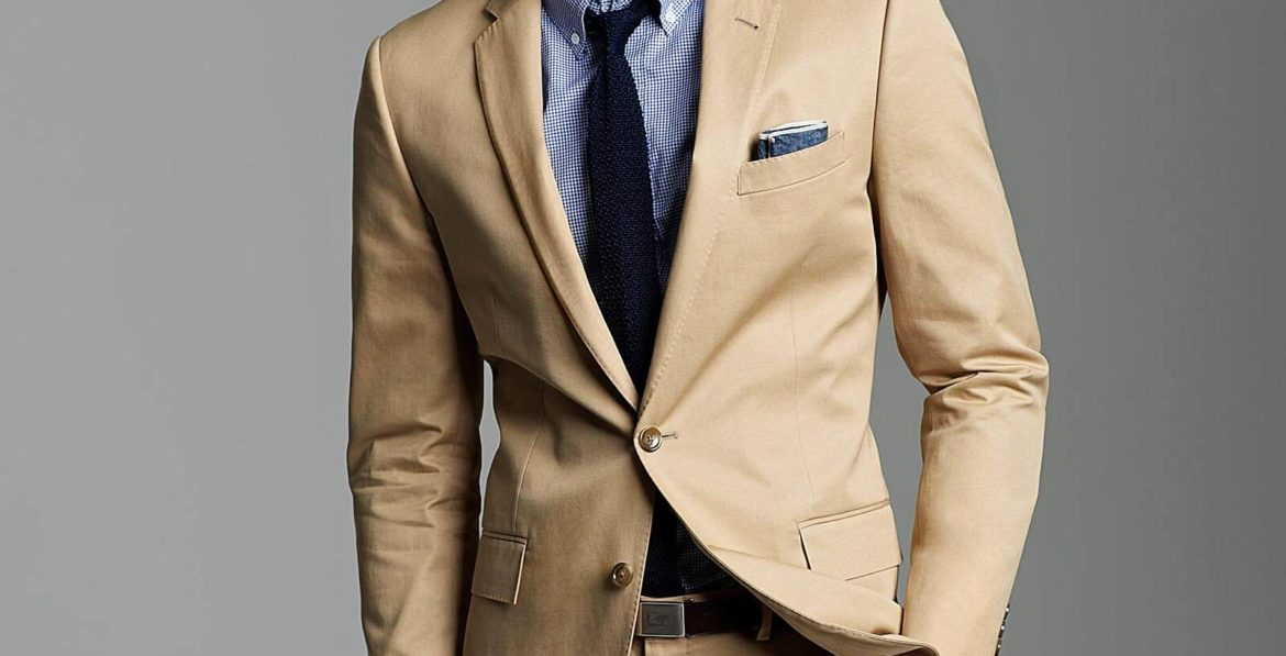 MAN WEARING BEIGE SUIT