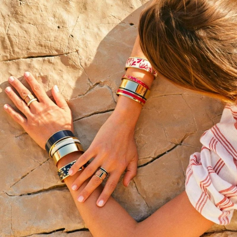 Bangle Up Paris Castelane Cuff White Sands OuiPlease French Online Shop woman wearing six bracelets and two rings