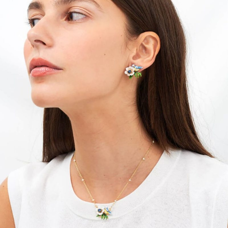 Les Nereides Flower Necklace OuiPlease French Online Shop women wearring earrings and necklace