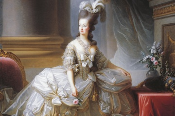 Marie Antoinette in bouffant, white dress