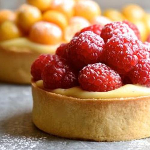 Small berry tart